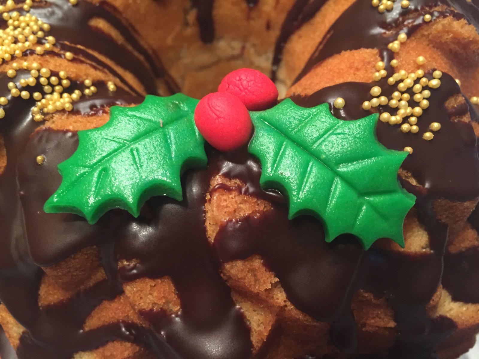 BUNDT CAKE DE NARANJA Y ESPECIAS (Decoración navideña)