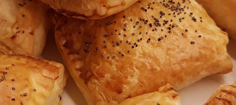 CURRY PUFFS (Empanadas de patata y guisantes)